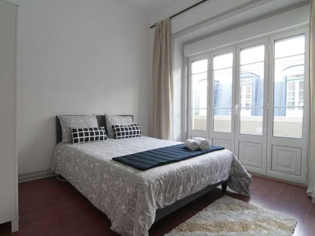 Pretty room for rent in Príncipe Real, Lisbon