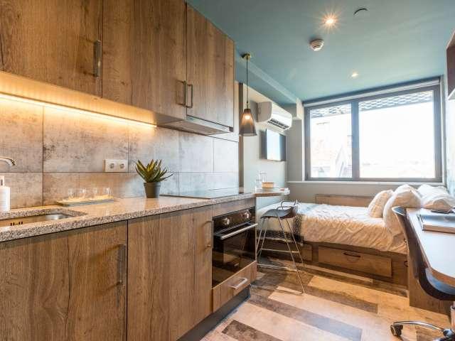 Fantastic student studio for rent in Santo António, Lisbon