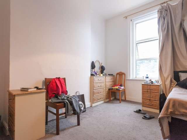 Ampia camera in appartamento con 2 camere da letto a Broadstone, Dublino