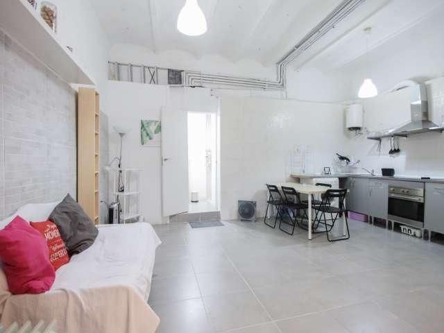 Neat studio apartment for rent in Gracia, Barcelona