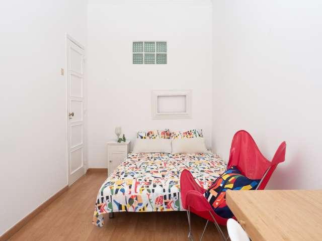 Quarto para alugar no doce apartamento de 2 quartos na Ajuda, Lisboa
