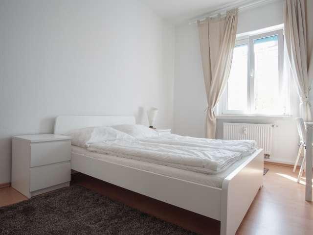 Tolles Zimmer zur Miete in einer Wohnung mit 2 Schlafzimmern in Mitte