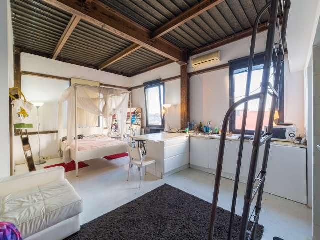Cool studio apartment for rent in Poblenou, Barcelona