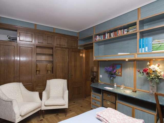 Spacious room for rent in La Latina, Madrid