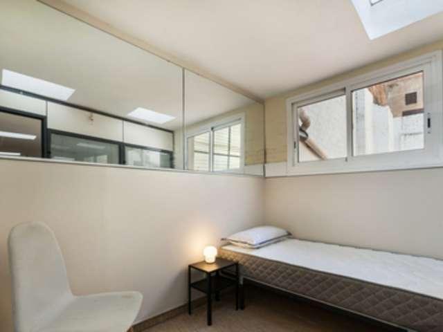 Room for rent in 5-bedroom apartment in Besòs Mar, Barcelona