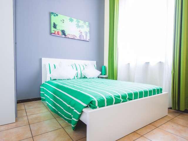 Comfortable room in 8-bedroom apartment, Viale Monza, Milan