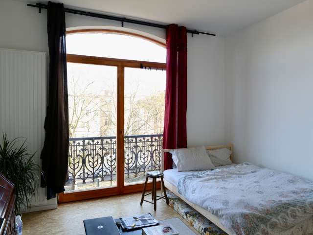 Double room to rent in 6-bed apartment near Brussels centre