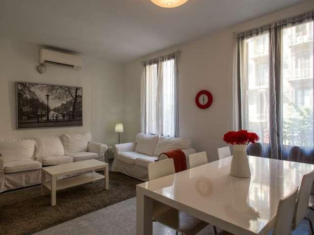 Rooms for rent in 3-bedroom flat in L'Esquerra de l'Eixample