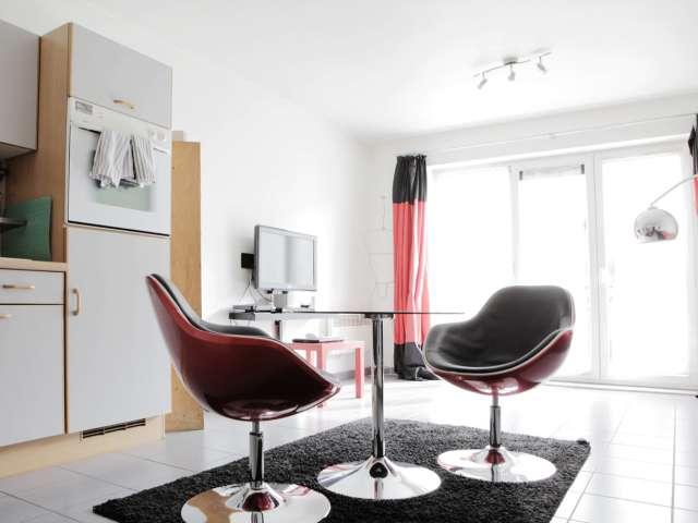 Studio meublé à louer avec machine à laver et sèche-linge à Koekelberg, Bruxelles