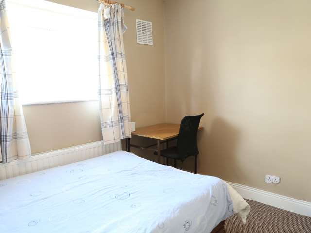 Room for rent in 3-bedroom house in Tymon North, Dublin