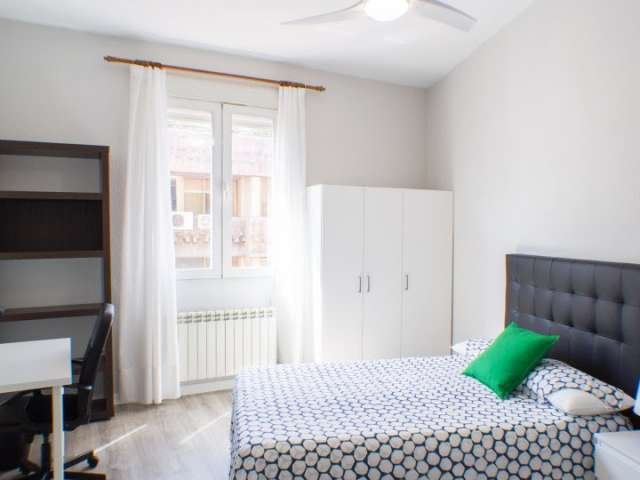 Sunny room in shared apartment in Chamberí, Madrid