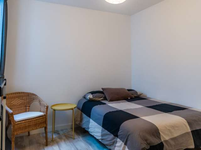 Double room for rent, 2-bedroom apartment, Poble-sec