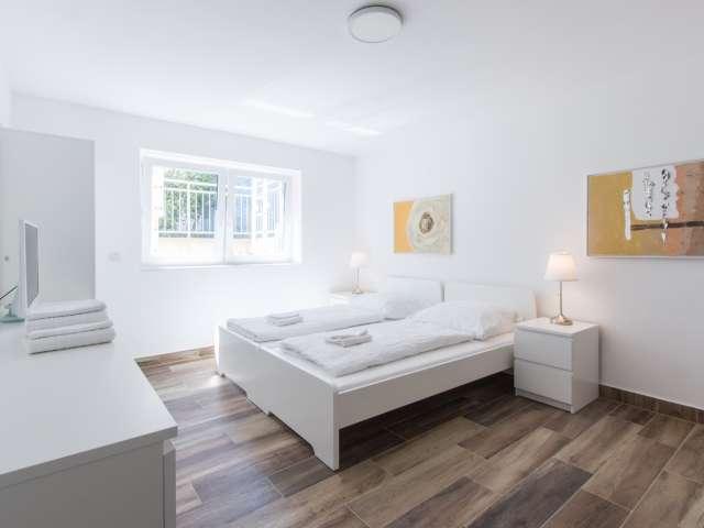 Luftiges Zimmer in der Wohnung mit 3 Schlafzimmern, Steglitz-Zehlendor