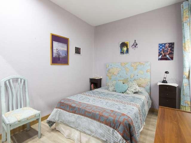 Great room in 2-bedroom apartment in Acacias, Madrid