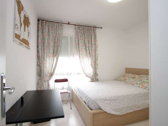 Room in 2-bedroom apartment by Sant Martí, Barcelona