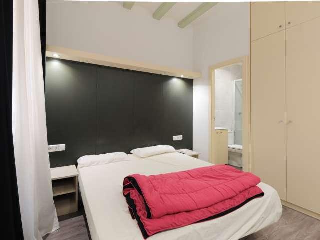 Halb unabhängiges Studio-Apartment zur Miete in El Raval