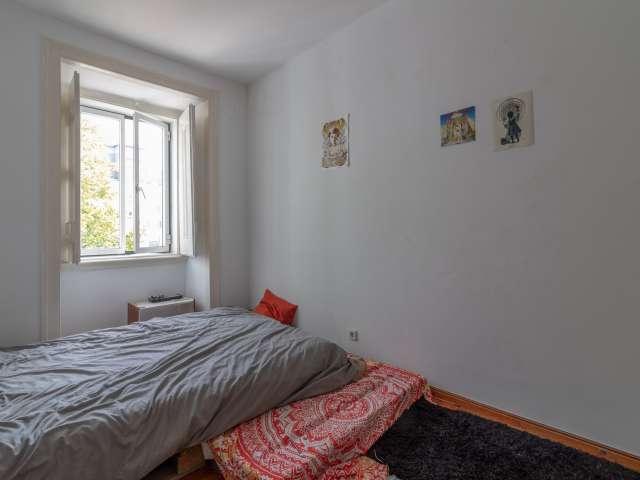 Quarto para alugar em apartamento de 3 quartos em Estrela, Lisboa