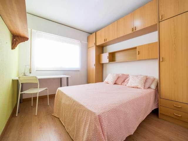 Gran habitación en piso compartido en Poblats Marítims, Valencia