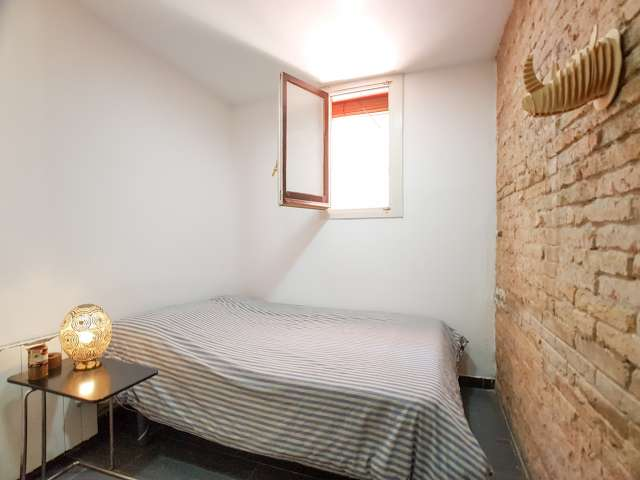 Gorgeous room for rent in Poble-sec, Barcelona