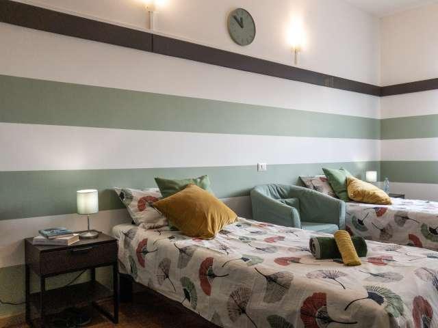 Camera in affitto in appartamento con 2 camere da letto nel Centro, Milano