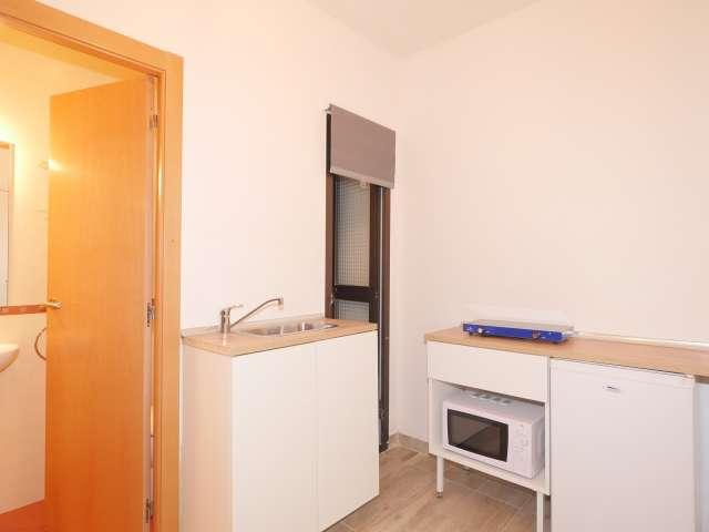 Small studio apartment for rent in l'Esquerra de l'Eixample