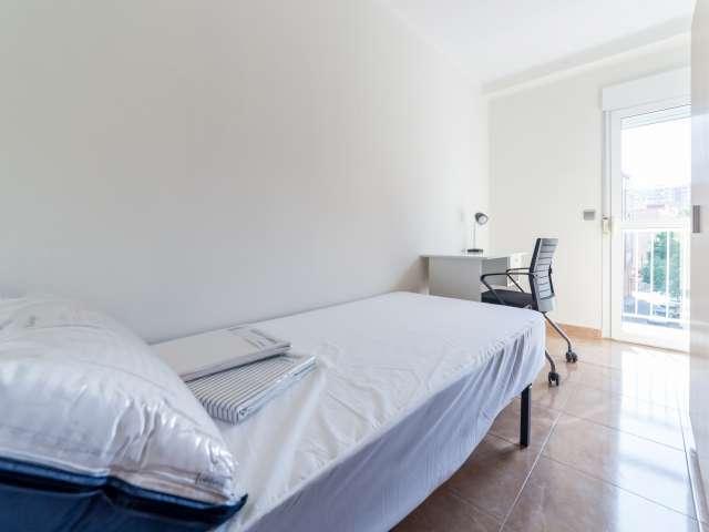 Bonita habitación en apartamento de 4 dormitorios Poblats Marítims, Valencia