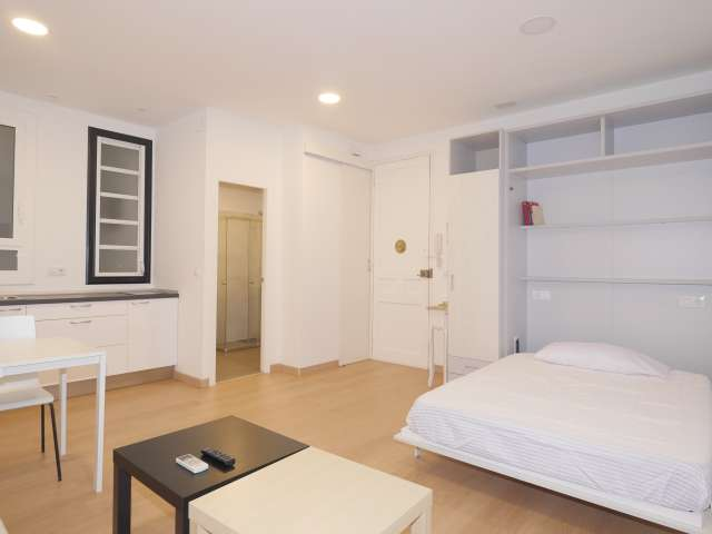 Studio apartment with AC for rent in Les Corts, Barcelona