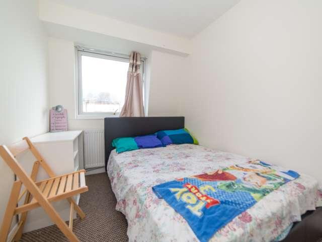 Se alquila habitación en cómoda casa de 5 dormitorios, Beckton, este de Londres