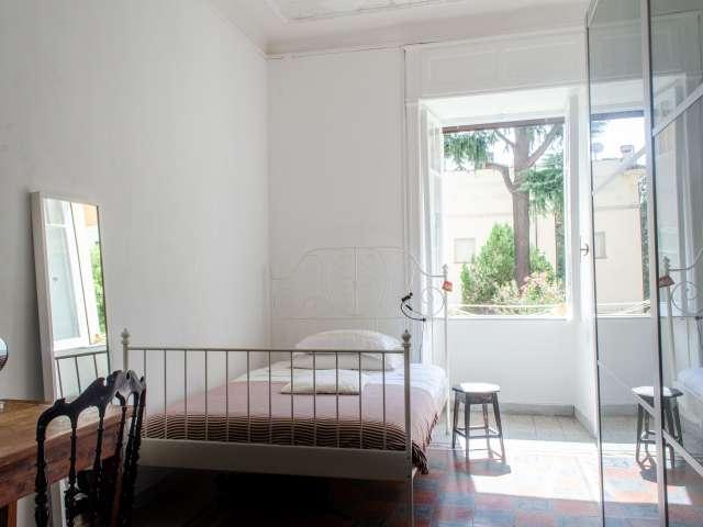 Stanza soleggiata in affitto a Trastevere, Roma