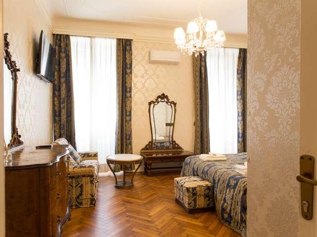 Room for rent in 5-bedroom apartment in Loreto, Milan