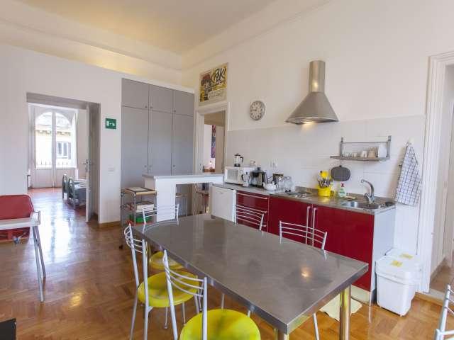 Eccentrico appartamento con 5 camere da letto in affitto a Termini