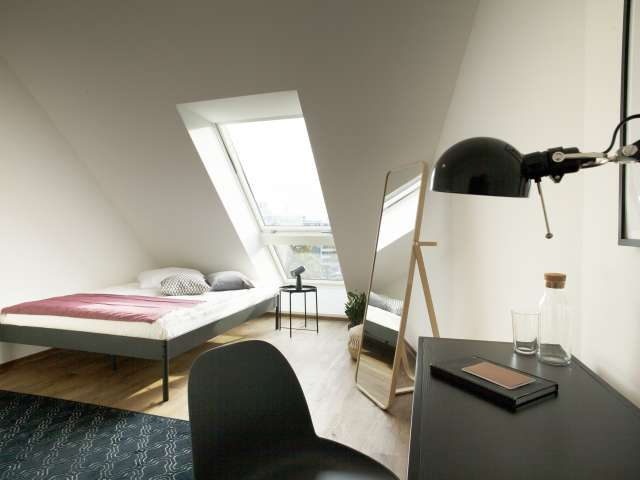 Einzelzimmer, Apartment mit 4 Schlafzimmern, Charlottenburg