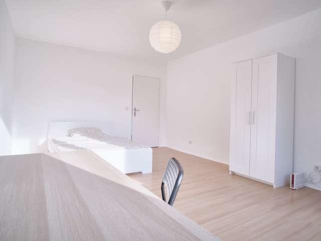 Zimmer zu vermieten in 3-Zimmer-Wohnung in Wedding, Berlin
