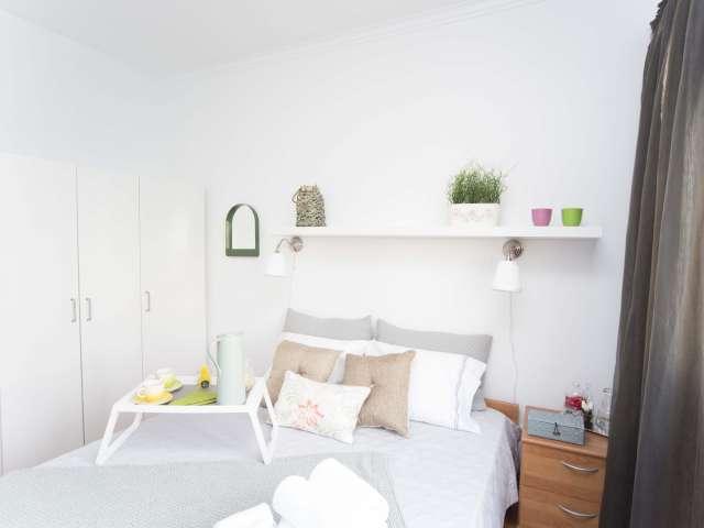 Espaçoso quarto em apartamento com 3 quartos no Lumiar, Lisboa