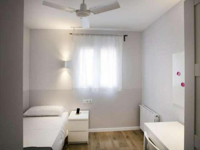 Cozy room for rent in Gràcia, Barcelona