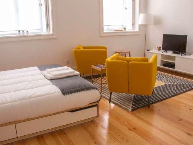 Trendy studio apartment for rent in Ríos Rosas, Madrid