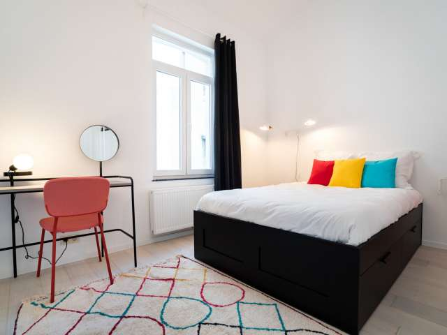 Room for rent in 10-room apartment, Saint-Gilles, Brussels