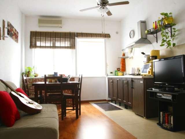 Chambres à louer à appartement 2 chambres à Ostiense, Rome