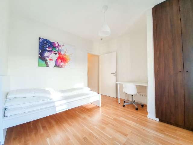 Gemütliches Zimmer zu vermieten, Wohnung mit 4 Schlafzimmern, Mitte