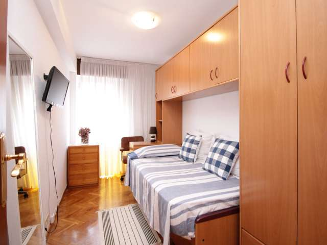 Single room in 3-bed apartment by Sant Martí, Barcelona