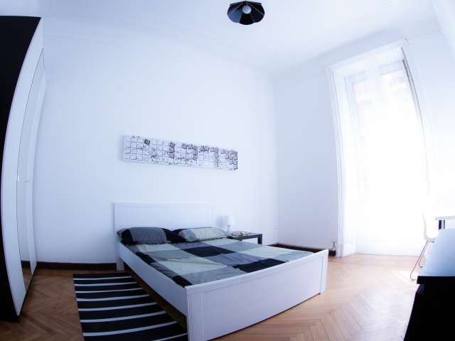 Camera arredata in appartamento a Città Studi, Milano
