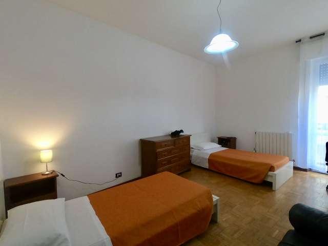 Letti in affitto in camera condivisa in appartamento con 5 camere da letto a Sarpi