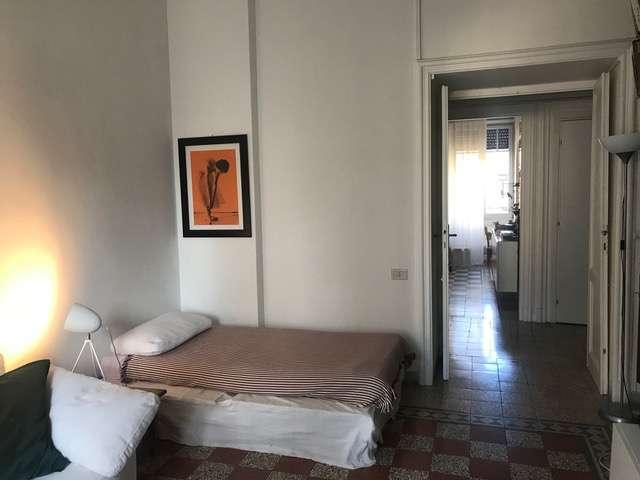 Spaziosa camera in affitto a Trastevere, Roma