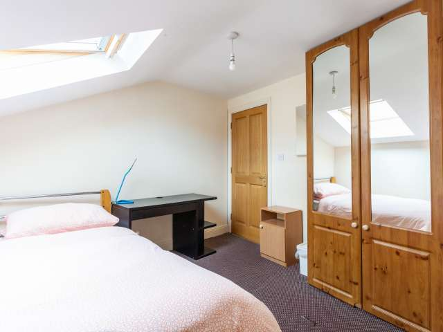 Room to rent, 12-bedroom house, dynamic Downtown, Dublin