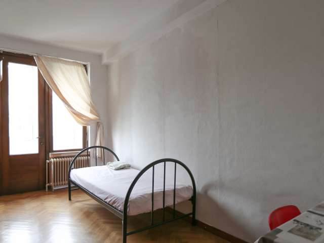 Rooms for rent in 2-bed apartment in Schaerbeek, Brussels