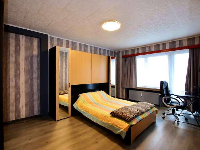 Room for rent in 2-bedroom apartment in Molenbeek, Brussels