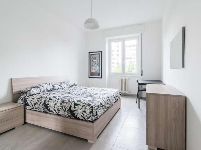 Ampia camera in appartamento con 5 camere da letto a Portello