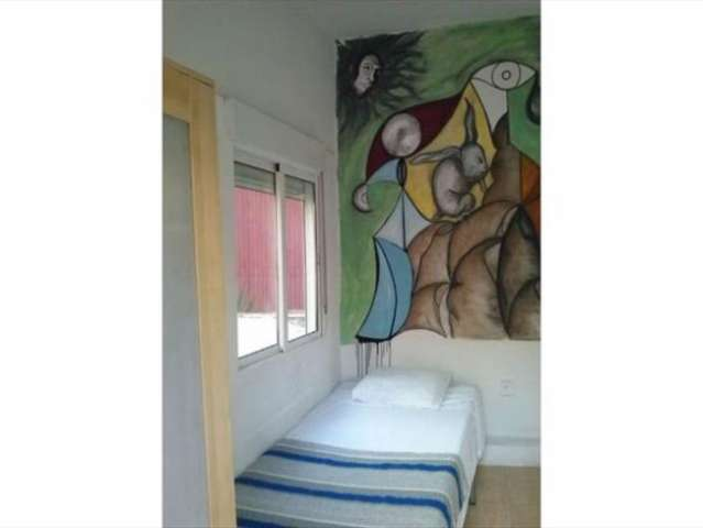 Furnished room, 10-bedroom apartment in Les Corts, Barcelona