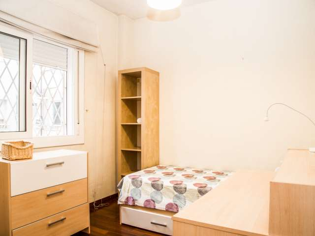 Cozy room in shared apartment in Sant Andreu, Barcelona