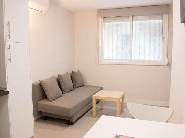 Neat studio apartment for rent in Poble-sec, Barcelona